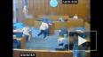 Видео из США: Подсудимого застрелили в зале суда