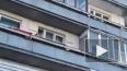Видео: девушка грозится выпрыгнуть из окна в Петербурге
