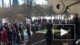 В Петербурге начался согласованный марш памяти Бориса ...
