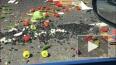 Видео: КАД засыпало овощами и фруктами после столкновения ...