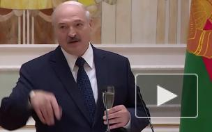 Лукашенко захотел стать донором крови для оппозиционеров