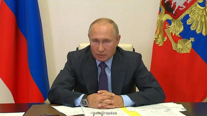 Путин заявил об усталости россиян от масок и ограничений