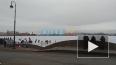 Видео: на льду Невы собралась съемочная группа фильма ...