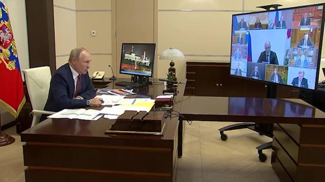 Путин отметил отставание некоторых регионов РФ в области дорожного строительства