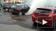 """ВИДЕО: у метро """"Удельная"""" фонтан с кипятком топит машины"""