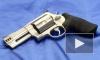 Преступники вынесли из салона на Кондратьевском проспекте 9 коробок с ювелирными изделиями, угрожая пистолетом