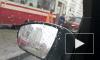 Иномарка вызвала столпотворение трамваев на проспекте Авиаконструкторов