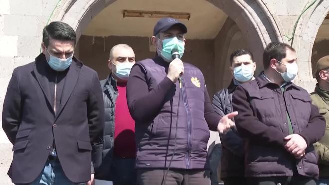 Никол Пашинян подаст в отставку в апреле