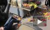 На Кирочной иномарка сбила трех людей и протаранила ларек с фруктами