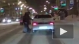Боевое видео из Уфы: пешеход наказал автомобиль, не проп...