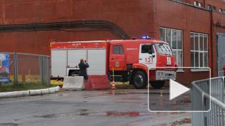 Дрифт, ретротехника и AcademeG: в Петербурге устроили гонки на пожарных машинах