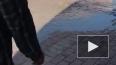 "У метро ""Парк Победы"" вода пробила брусчатку"