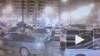 Появилось видео ночной аварии с пьянымвоеннослужащий на каршеринге
