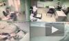Видео: в Ставрополе мужчина в офисе нанес 4 удара ножом бывшему коллеге из-за личной неприязни