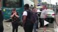 В Великобритании автобус протаранил 25 машин, 14 человек...