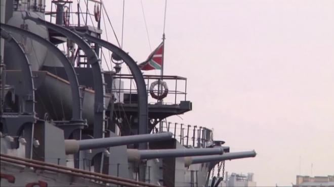"""Крейсер """"Аврора"""" готовится отплыть на ремонт в Кронштадт"""