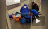 """Видео: на """"Балтийской"""" врачам удалось реанимировать петербуржца, потерявшего сознание"""