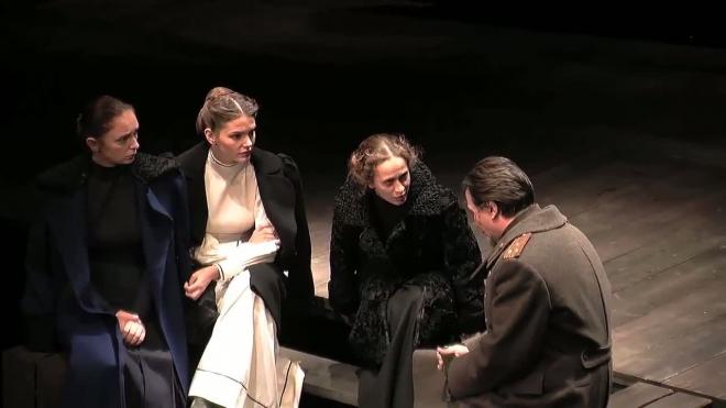 Сбылась давнишняя мечта. Лев Додин поставил на сцене МДТ чеховских трёх сестёр.