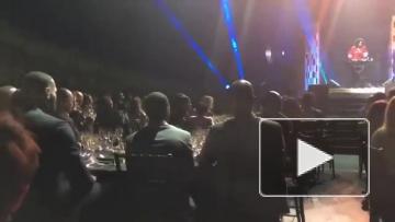 Леброн Джеймс зажигает на концерте