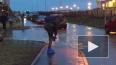 Видео: жители Мурино с пакетами на ногах переходят ...