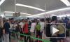 Видео из Испании: гигантские очереди образовались в аэропорту Барселоны из-за протестов служащих