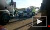 На Колпинском шоссе произошло лобовое столкновение фуры с Жигулями