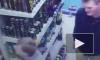 """Видео из Москвы: Подростки устроили бойню в """"Пятерочке"""" из-за банки энергетика"""