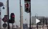 Зеленый сигнал светофора не защитил мать и дочку от колес грузовика в Петербурге