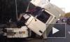 Фуре снесло кабину в ДТП на Мурманском шоссе. Очевидцы выложили фото и видео аварии