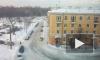 Петербуржцы делятся фото и видео с огромными сосулями на крышах зданий