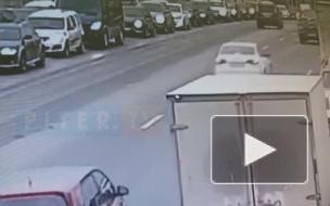 На Литейном мосту собрался паровозик из 4 машин