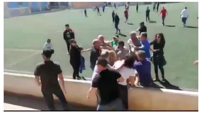 Испания: Видео ожесточенной драки родителей юных футболистов облетело весь интернет