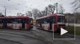 Трамваи и троллейбусы в Петербурге начали украшать ...
