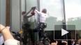 """Человек-паук Алан Робер залез на небоскреб """"Высоцкий"""" ..."""