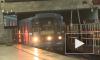 """Из-за сломанного состава поезда ходили по """"синей"""" ветке метро с интервалом 15 минут, пассажиры опаздывали на работу"""