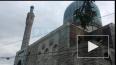 У Соборной мечети Санкт-Петербурга мусульмане начали ...