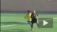 Видео: Игроки и тренеры напали на судью из-за жёлтой ...