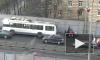 Троллейбус высадил людей прямо на Автовском виадуке