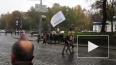 Видео из Киева: Перед оцепленной Верховной Радой народ с...
