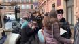 """Петербурженку с """"коронавирусом"""" увезли из здания суда в ..."""