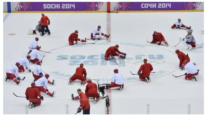 Хоккей, мужчины: Швеция обыграла Чехию, Швейцария вырвала победу у Латвии