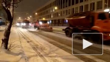 За прошедшие сутки с улиц Петербурга вывезли более ...