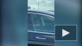 Видео: водитель спит за рулем Теслы на оживленной трассе