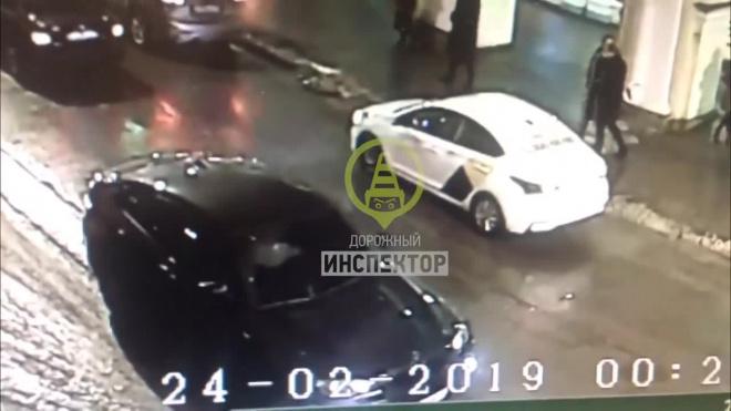 """Водитель, которыйпод """"веселящими шариками""""сбил толпу пешеходов, признал свою вину"""
