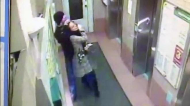 В Петербурге директор турфирмы душил и грабил женщин, чтобы оплатить долги