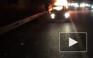 На Московском проспекте загорелась машина
