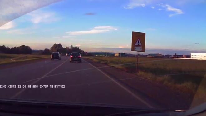 Полет пьяного водителя в кювет под Уфой из-за грубых нарушений ПДД попал на видео