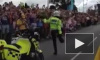Неуклюжий брейк-данс британского полицейского в честь Олимпиады покорил зрителей