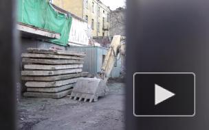 """Видео: в Выборге сносят бывший кинотеатр """"Родина"""""""