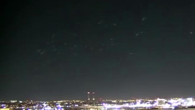 Видео из США: Жители Милуоки увидели в небе вторжение инопланетян